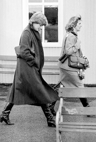 Фото №3 - Герцогиня Камилла выстраивает доверительные отношения с Меган Маркл. Зачем?