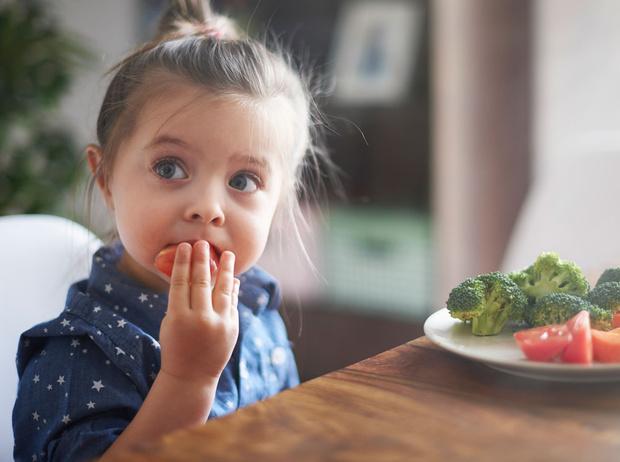 Фото №1 - Как приучить ребенка к здоровой еде