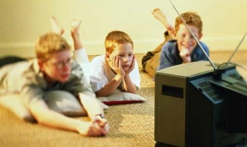 Фото №1 - Сколько времени ваши дети тратят на просмотр телевизора?