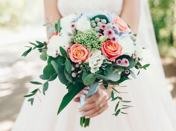 Фото №1 - Свадебный букет своими руками: советы флористов