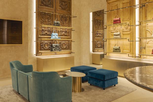 Фото №10 - Новый бутик Delvaux в самом сердце Парижа