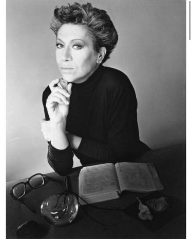 Фото №1 - Скончалась знаменитый ювелирный дизайнер Tiffany & Co. Эльза Перетти