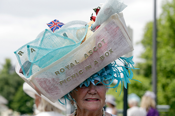 Фото №21 - Берегитесь женщин: яркие моменты 3-го дня на Royal Ascot 2017