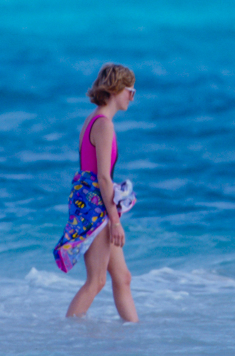 Фото №12 - Принцесса пляжа: бикини-стиль Дианы