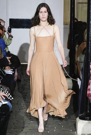 Фото №17 - Плиссе и круазе: как одежда балерин вновь вернулась в моду