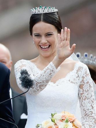 Фото №3 - Принцесса из сказки: самые эффектные выходы Софии Шведской в тиарах