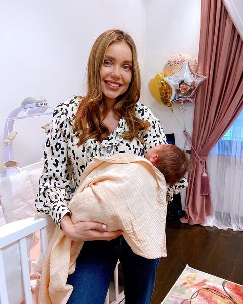 Фото №1 - «Нужно через это пройти, чтобы усмирить гордыню»: жена рэпера ST Ассоль поведала о замершей беременности