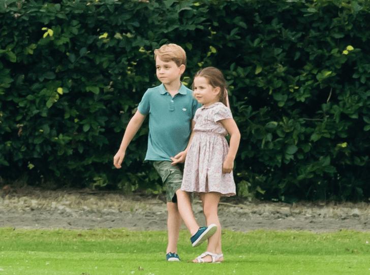 Фото №3 - Какой подарок принцесса Шарлотта попросила на Рождество (и почему принц Уильям отказал дочери)