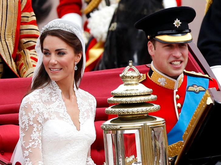 Фото №1 - Невеста с характером: чем Кейт шокировала Королеву в день своей свадьбы