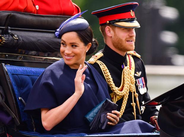 Фото №8 - Лучшие образы герцогини Меган в 2019 году