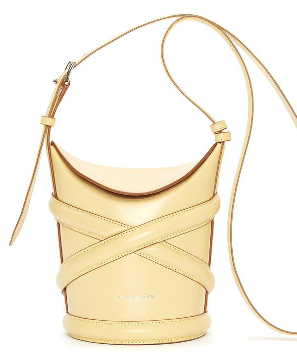 Крупным планом: сумка The Curve Alexander McQueen