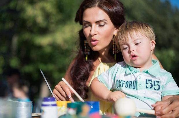 Фото №6 - Эвелина Бледанс: «Что я думаю по поводу детей с особенностями? Я делаю!»