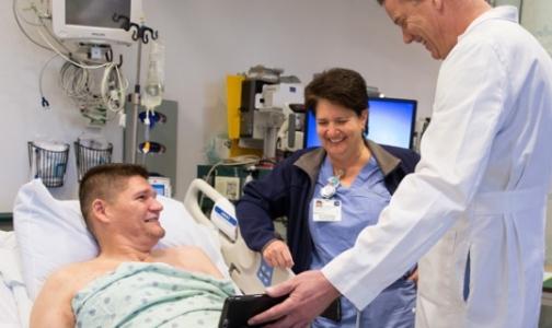 Фото №1 - В Америке пациенту пересадили локоть с одной руки на другую