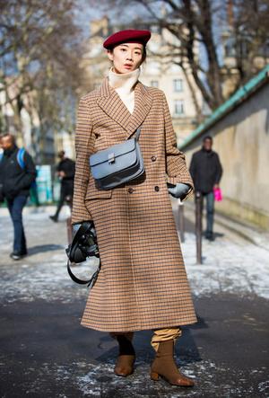Фото №35 - Шапки, повязки, платки: лучшие головные уборы для зимы 2018
