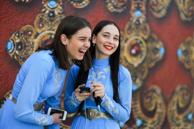 Фото №1 - Как кавказские парни видят разницу между русскими и восточными девушками