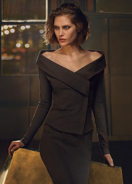 Кэтрин Макнил в рекламной кампании Donna Karan