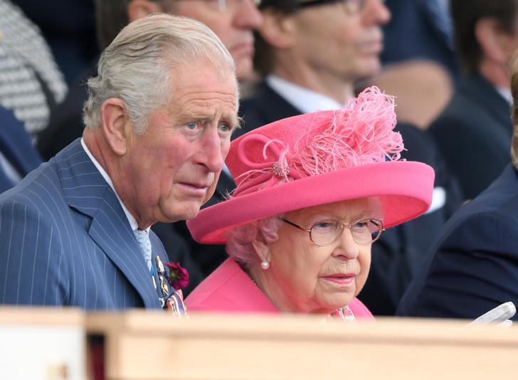 Фото №3 - Почему это Рождество станет особенным и очень долгожданным для Королевы и принца Чарльза