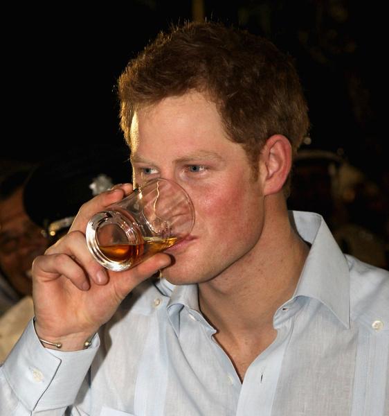 Фото №6 - Королевский биограф о том, почему Меган Маркл могла отказать Гарри: «Принц не производил незабываемого впечатления»