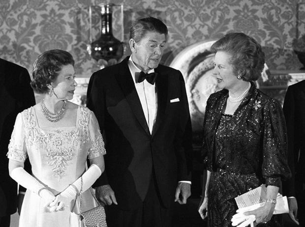 Фото №2 - Как Королева относилась к Маргарет Тэтчер