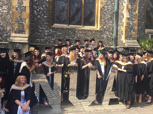 Фото №3 - Где учились принц Уильям, Кейт Миддлтон и Амелия Виндзор: лучшие британские университеты (часть 2)