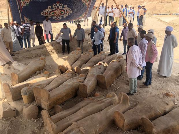 Фото №1 - Находка десятилетия: в Египте раскопали 20 деревянных гробниц, которым 3000 лет