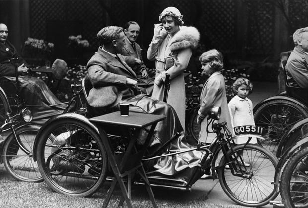 Фото №9 - Улыбчивая королева: 8 самых любопытных фактов о прабабушке принца Уильяма