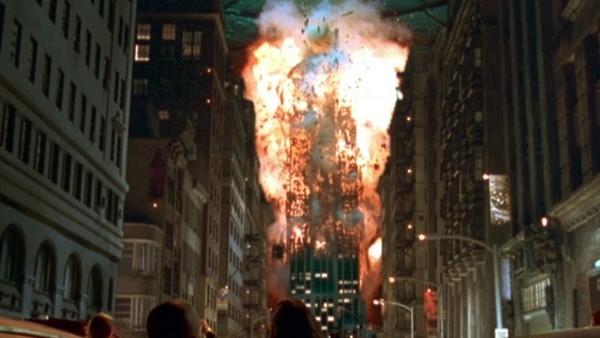 Фото №6 - 9 самых тупых поступков героев в фильмах-катастрофах