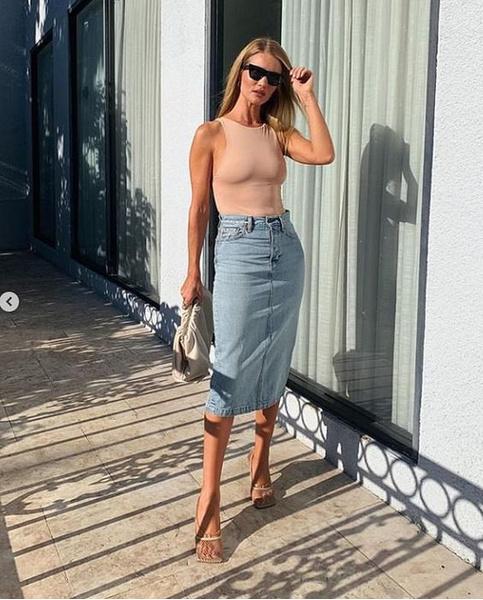 Фото №8 - С чем носить джинсовую юбку миди: 10 модных идей