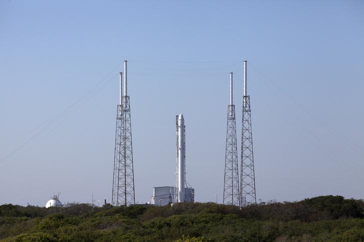 "&nbsp; <a rel=""nofollow"" target=""_blank"" href=""https://www.flickr.com/photos/nasakennedy/26242933121/""><i>NASA Kennedy</i></a>"