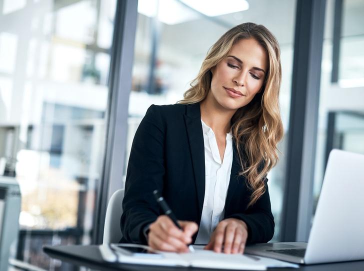 Фото №1 - Рабочий момент: 3 офисные укладки, которые заряжены на успех