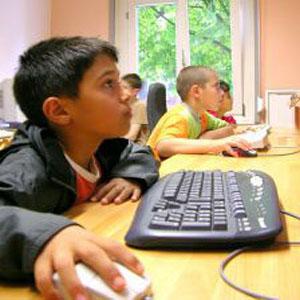 Фото №1 - Детей защитят от лишней информации