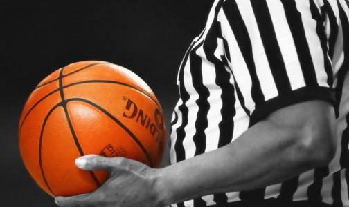 Фото №1 - Американского баскетболиста дисквалифицировали «за беременность»