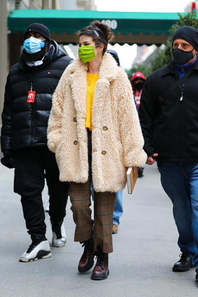 Фото №2 - Топ-5 зимних трендов: смотри, как носят селебрити