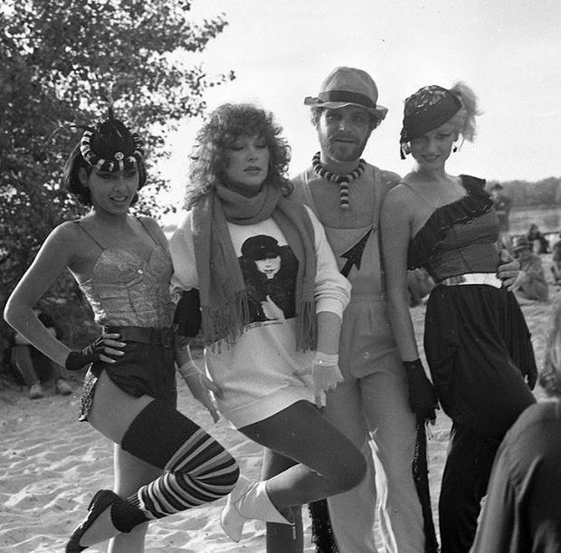 Фото №2 - 35 лет назад Алла Пугачева носила вещи, от которых сейчас без ума фэшэнисты