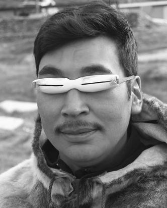 Фото №4 - Древние очки эскимосов, защищающие от снежной слепоты