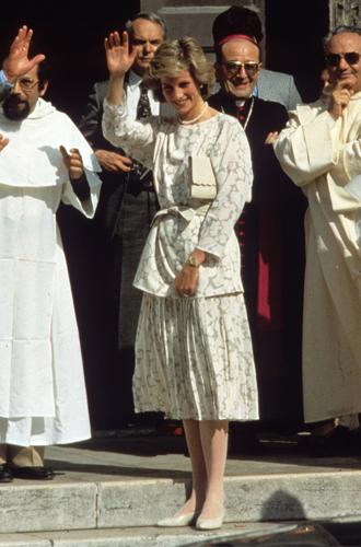 Фото №21 - До/после: как принцесса Диана дарила вторую жизнь старым нарядам