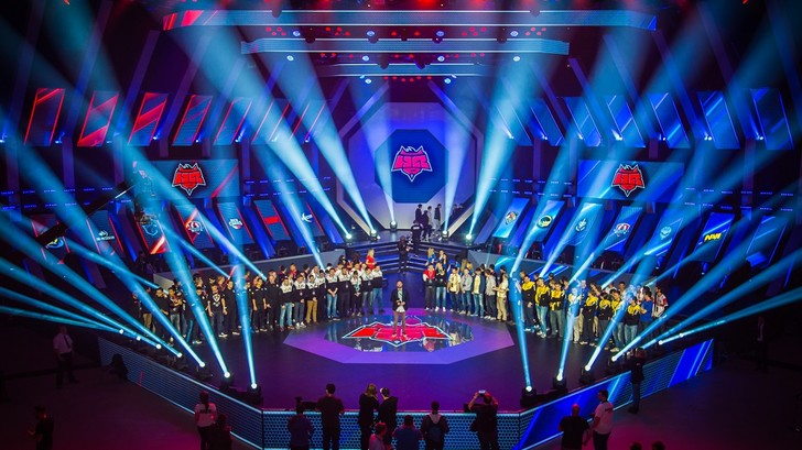 Фото №2 - В Варшаве прошёл турнир киберспортсменов