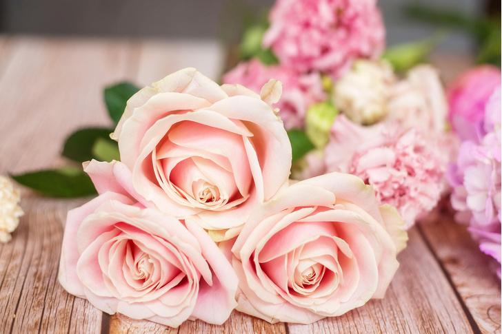 Почему розы быстро вянут в вазе