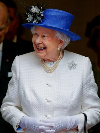 Фото №7 - Особое отношение: какой чести Королева удостоила Камиллу и Кейт (но не Меган)