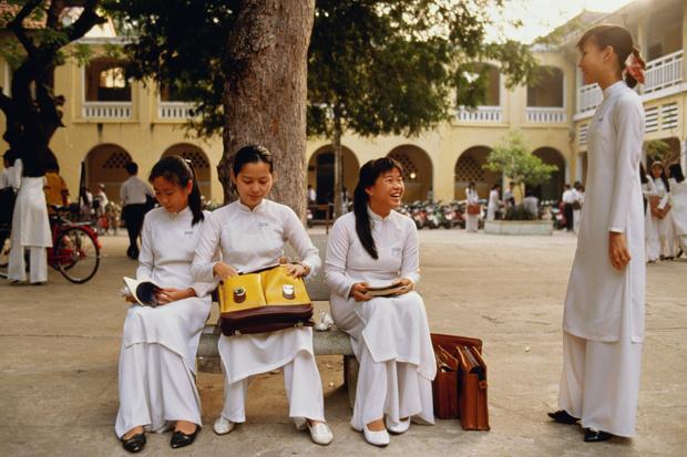 Фото №8 - От шорт до халата: как выглядит школьная форма в разных странах