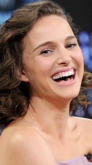 Фото №11 - Не надо стесняться: звезды с неидеальными зубами