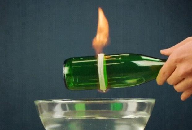 Фото №1 - Лайфхак: сделать из стеклянной бутылки стакан (видео)