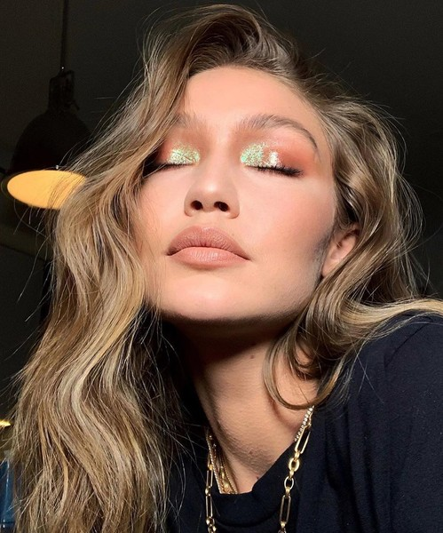 Фото №5 - Beauty inspiration: яркий макияж за 5 минут