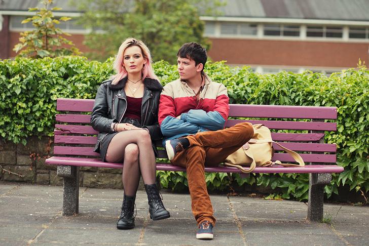 Фото №1 - Sex Education: что нужно знать об актерах, сыгравших Отиса и Мэйв