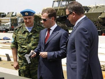 Анатолий Сердюков встретится с министром обороны США