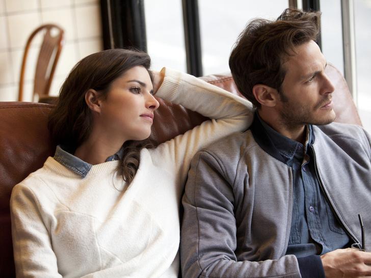 Фото №1 - Плохая идея: 10 причин не сохранять дружеские отношения с бывшим