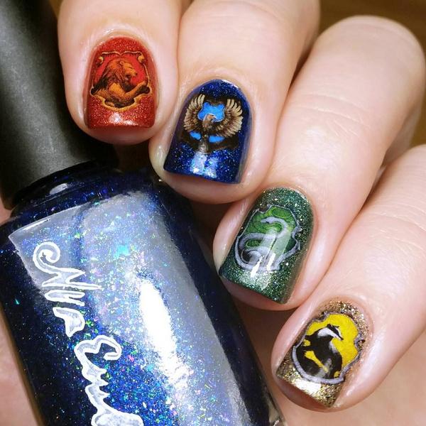 Фото №2 - Маникюр для фанатов «Гарри Поттера»: 10 волшебных идей 💅