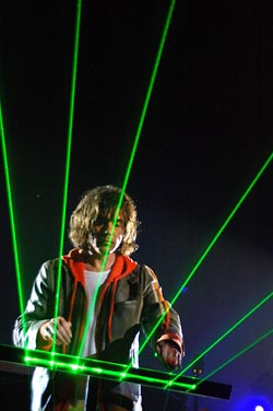Фото №2 - Забытый гений электронной музыки