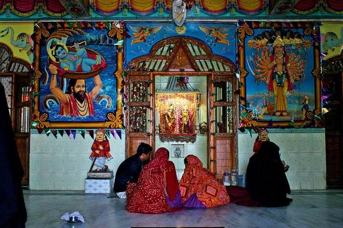 Фото №11 - Священные цепи: репортаж с цыганской свадьбы