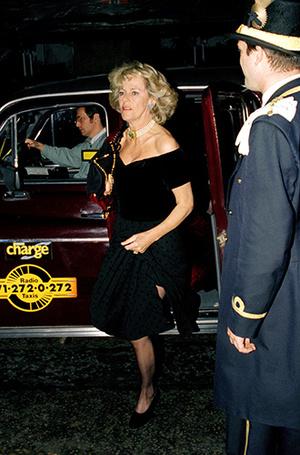 Фото №11 - В тени Дианы: как Камилла отвоевала популярность у принцессы Уэльской (и как ей помогал Чарльз)